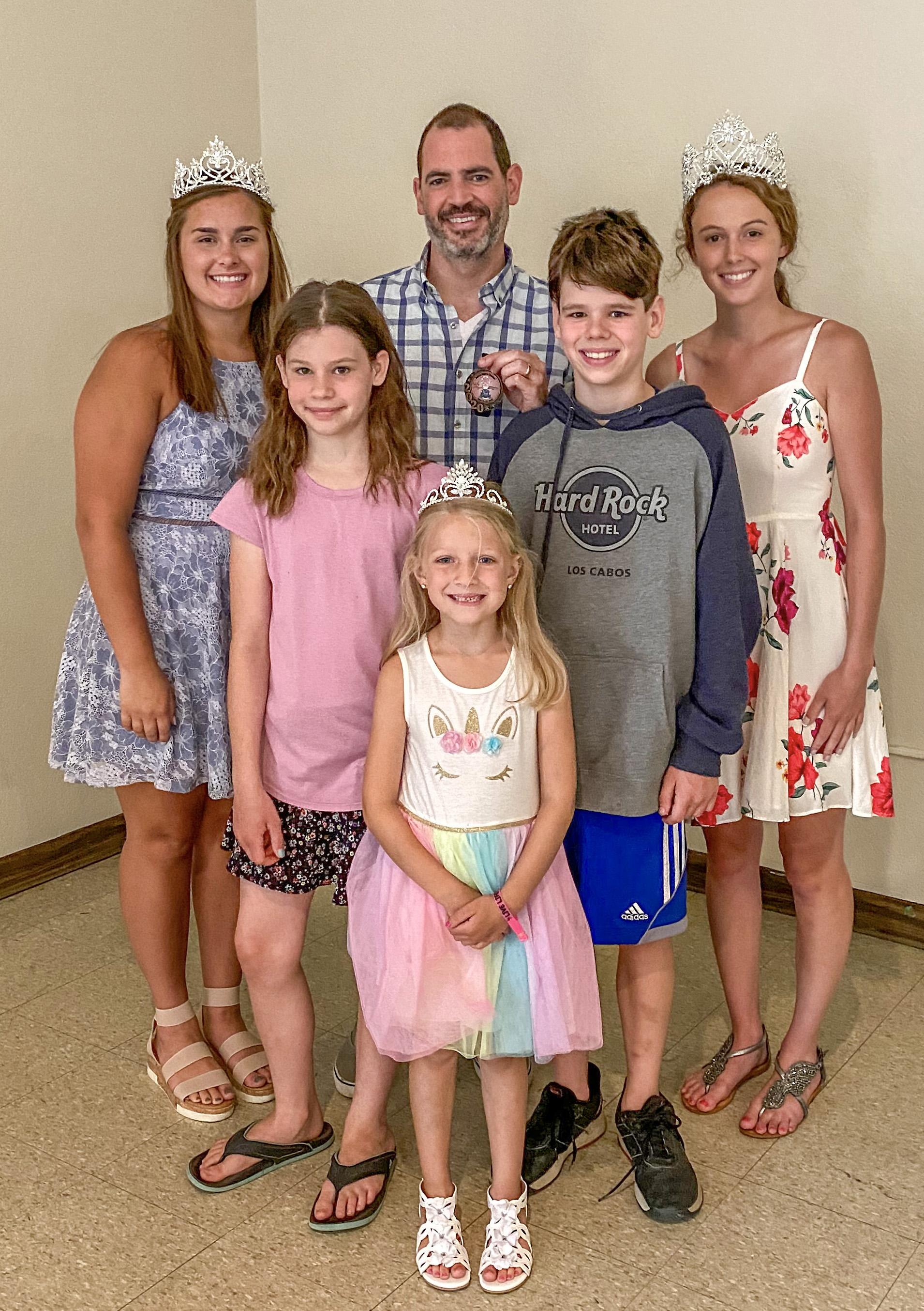 The Medallion Hunt Winner, Jeremy Kiecker with kids kids, Amelia & Hayden, and the Fairfax Royalty.